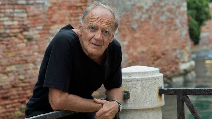Bruno Ganz ist mit 76 immer noch aktiv; er geniesst es aber auch, wenn er einmal nichts geplant hat und den Tag einfach verstreichen lassen kann.
