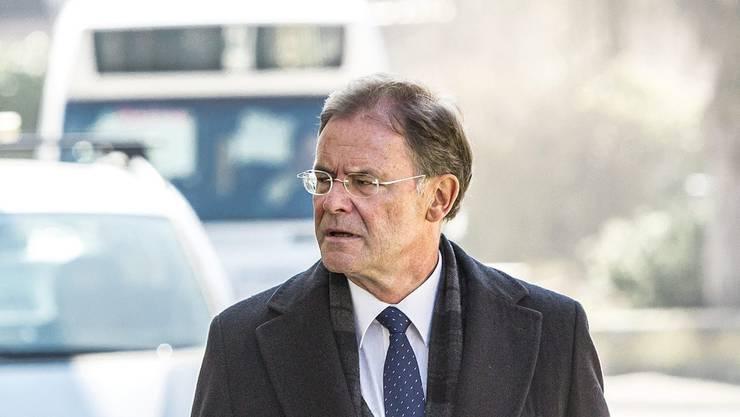 Walter Dubler - hier auf dem Weg zum Berichtsgericht Zurzach.