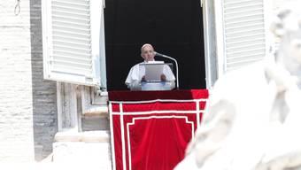 Bedauert die Umwandlung der Hagia Sophia in eine Moschee: Papst Franziskus I. beim Angelusgebet vergangenen Sonntag im Vatikan.