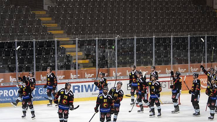 Die Spieler des SC Bern verabschiedeten sich vorerst zum letzten Mal von den Fans