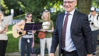 Whistleblower Rudolf Elmer am ersten Prozesstag auf dem Weg ins Zürcher Obergericht.