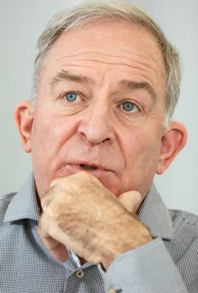 Ruedi Lais, 65, SP-Kantonsrat seit 2000, Mitglied der Kantonsratskommission für Energie, Verkehr und Umwelt, tritt bei den Kantonsratswahlen am 24. März wieder an. Lais ist Bezirksrat im Bezirk Bülach und wohnt in Wallisellen.