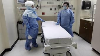 Ein US-Spital bereitet sich auf einen Ebola-Verdachtsfall vor - Das müssten die Spitäler im Aargau nicht tun