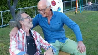 Ein Feuer der Freundschaft verbindet Gianni Vasari (links) und Markus Waber, bei deren gemeinsamer Ausstellung die Betrachter «Feuer fangen».