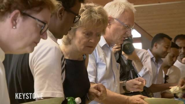 Bundesrat besucht an erstem Schulreise-Tag das Durchgangszentrum in Riggisberg BE