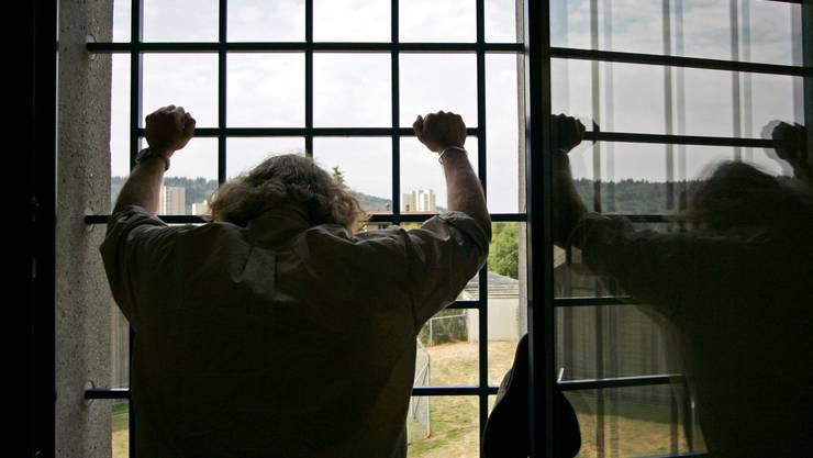Nach einer Begnadigung aus dem Gefängnis entlassen werden – das ist auch in der Schweiz möglich: Jeder Verurteilte kann ein entsprechendes Gesuch stellen (Symbolfoto).