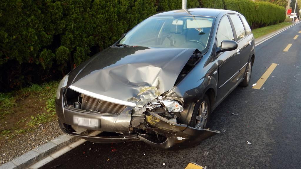 Autofahrt endet für zwei 50-Jährige im Spital