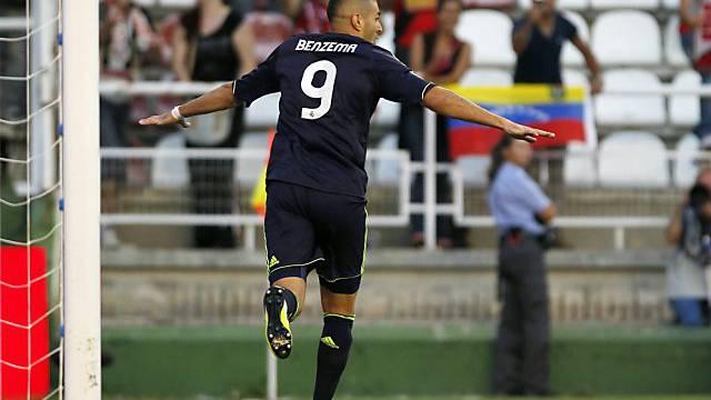 Karim Benzema schiesst Real Madrid 1:0 in Front.