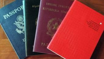 Der Aargauer Regierungsrat gibt bei der Absitmmung zum Einbürgerungsgesetz weder Ja noch Nein. (Symbolbild)