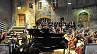 Openair-Konzert im lauschigen Schlosshof (Pressebild)
