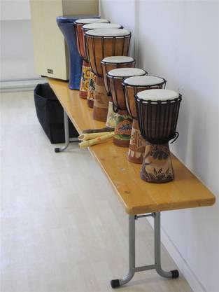 Im oberen Stock gibt es diverse Spiele und Instrumente. MN