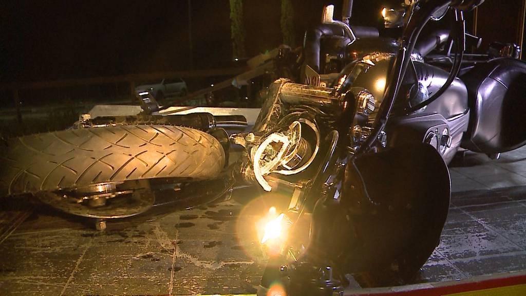 Harley-Fahrer nach Kollision in Lenzburg mittelschwer verletzt