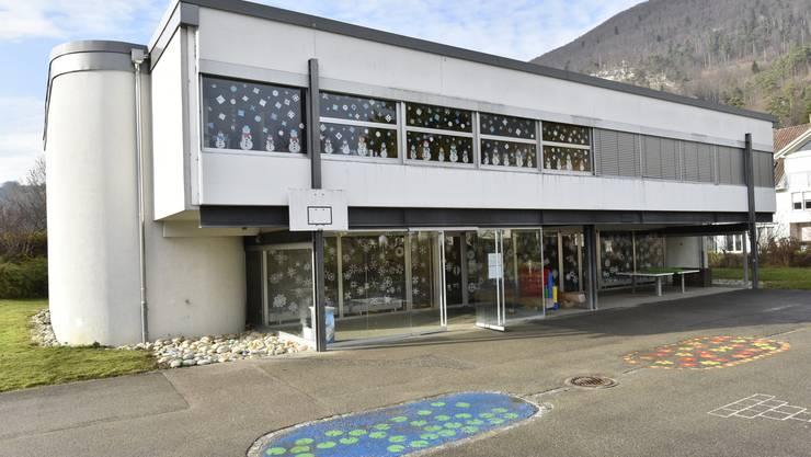 Der Betrieb im Schulhaus in Holderbank soll im gewohnten Rahmen weiter laufen.