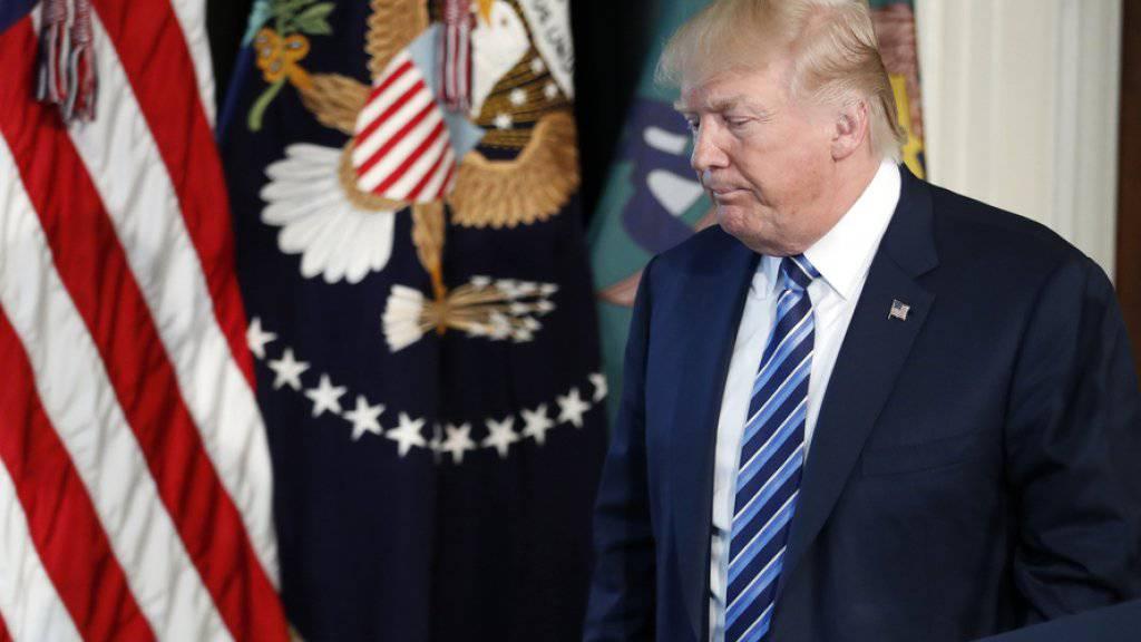 US-Präsident Donald Trump ist bald 100 Tage im Amt. Seine Umfragewerte sind so tief wie noch bei keinem Präsidenten vor ihm. Allerdings: seiner Basis gefällt die Arbeit Trumps. (Archivbild)