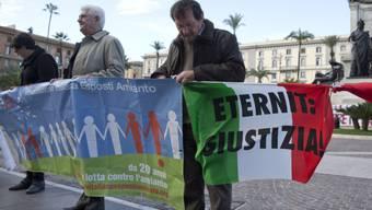 Angehörige von Asbest-Opfern bei einer Kundgebung in Rom (Archiv)