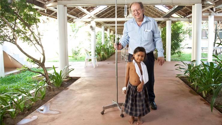 Als er noch gesund war: Beat Richner 2011 im Kinderspital Kantha Bopha mit Siem Reap.