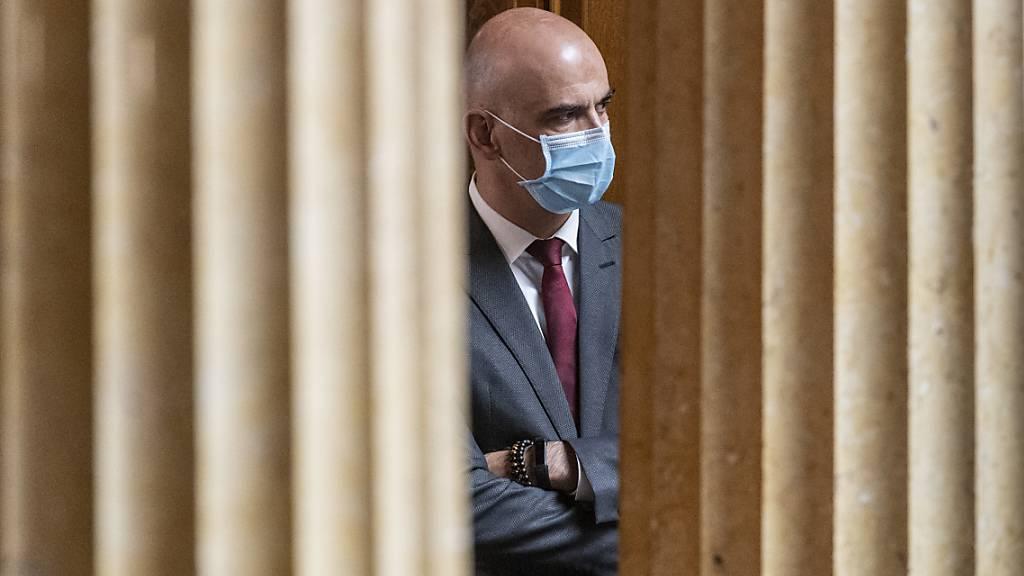 Kantone wollen vom Bund einheitliche Regeln bei Maskenpflicht (GDK)
