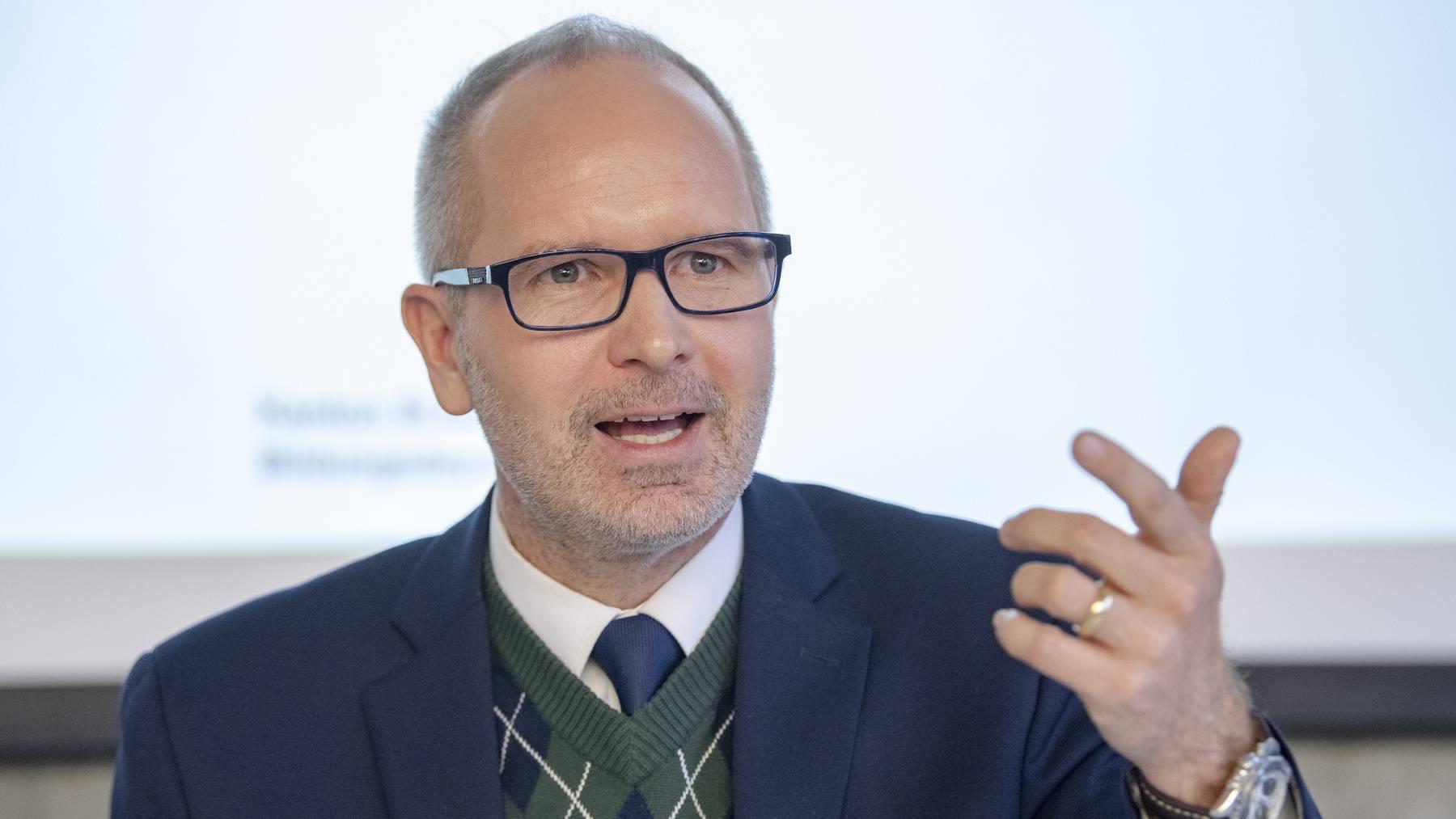 Mehrere Fraktionen kritisieren die Rolle Stefan Köllikers im HSG-Spesenskandal.