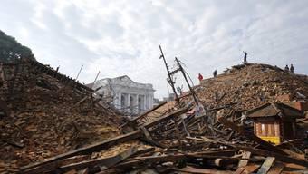 Schweres Erdbeben in Nepal fordert tausende Tote_3