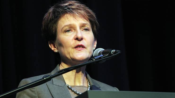 Sommaruga rief in Erinnerung, dass die Personenfreizügigkeit die Schweizer Arbeitnehmenden nicht vom Arbeitsmarkt verdrängt habe.