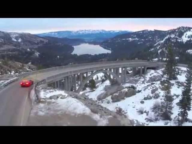 Macht bei jedem Wetter eine gute Figur: Der Tesla S P85D in Schnee und Eis.