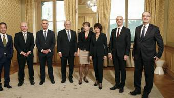 Der Nationalrat will keine neunköpfige Landesregierung. Im Bild ganz links ist auch Bundeskanzler Walter Thurnherr. (Archivbild)