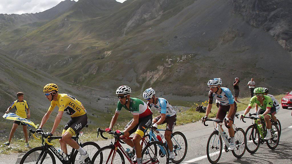 Leiden am Galibier: Chris Froome (im gelben Leadertrikot) war in der ersten Alpen-Etappe stets Herr der Lage