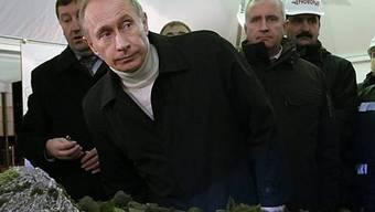 Putin, letzte Woche noch in Soochi, weihte in Wladiwostok eine Anlage ein
