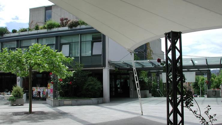 Standort: Das Gemeindeammann- und Betreibungsamt von Weiningen, Geroldswil, Oetwil ist im Geroldswiler Gemeindehaus angesiedelt. SIB