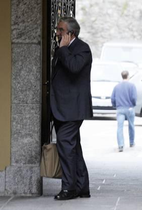 Crossair Gruender Moritz Suter kommt ins Gemeindehaus von Bellinzona, wo heute der Prozess gegen ihn und 3 weitere Angeklagte beginnt, beim Absturz eines Crossair Jumbolino bei Bassersdorf im Jahr 2001 starben 24 Menschen, neun weitere Menschen wurden zum Teil schwer verletzt. © Valeriano Di Domenico/EQ Images