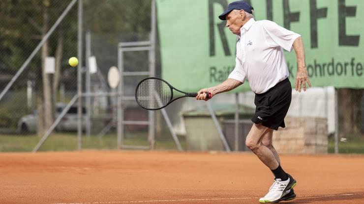 Stoppball par excellence: Tony Steiner beweist sein intaktes Tennis-Händchen