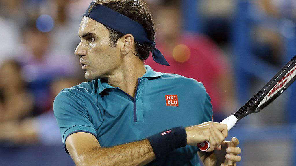 Roger Federer feierte bei seiner Rückkehr auf die Tour einen problemlosen Sieg