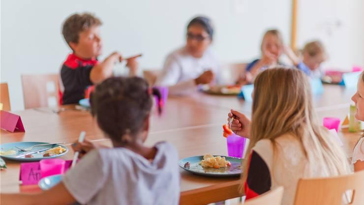 Muttenzer Mittagstische werden wieder bezahlbar. (Symbolbild)