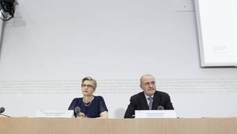 FDP-Fraktionschefin Gabi Huber und Parteichef Fulvio Pelli wollen die Namen ihrer Spender nicht offenlegen müssen