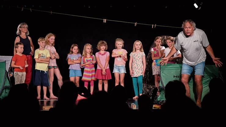 Ein Highlight des Theatertages: Das Stück «Pssst!» der Theateria KiJuKu, das Heidi Christen und Stefan Baier mit Kindern erarbeitet hatten.