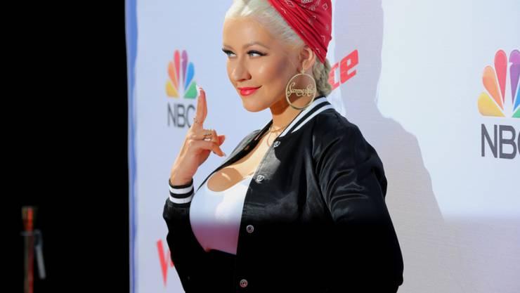 """Christina Aguilera - Jury-Mitglied bei """"The Voice"""" - wollte mit einer Hologramm-Version von Whitney Houston ein Duett singen. Daraus wird nun nichts - zumindest vorerst."""