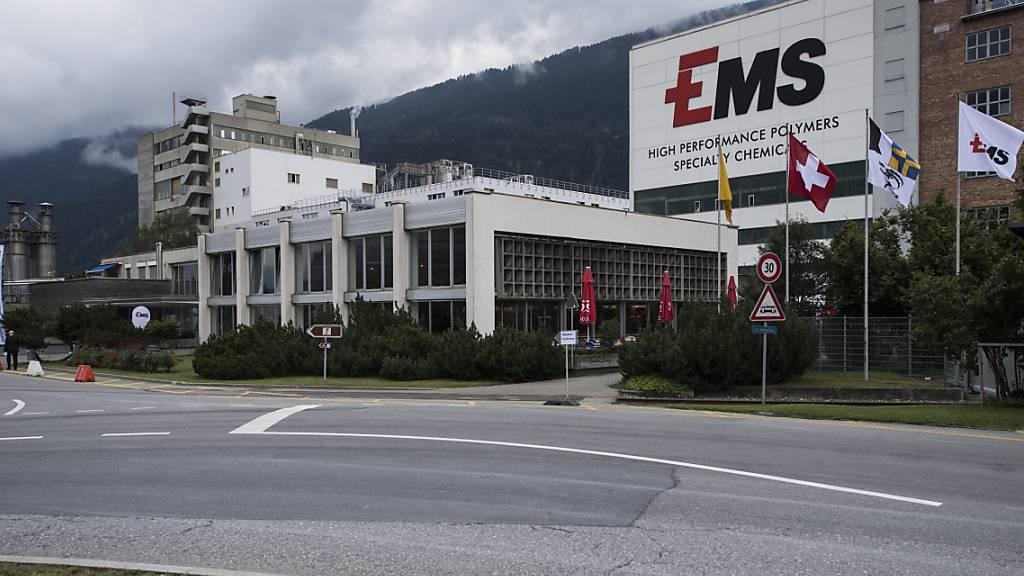 Ems-Chemie verteidigt bei rückläufigem Geschäft die hohe Marge