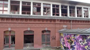 Rote Fabrik nach dem Brand (Archiv)