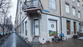 Ein Fake-Starbucks Ecke Claragraben/Haltingerstrasse im Kleinbasel.