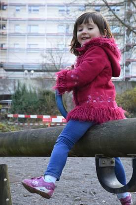 Rinesa Shala ist eines von vier Kindern in der siedlungseigenen Spielgruppe