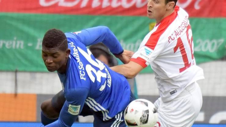 Breel Embolo (links) wird in dieser Saison kaum mehr im Trikot von Schalke zu sehen sein