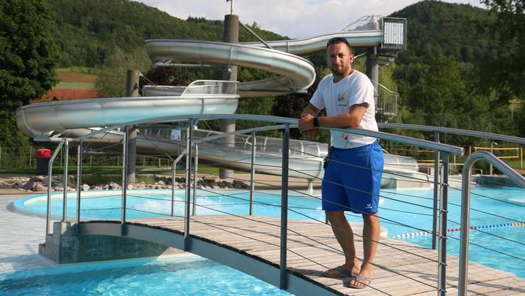 Hatte am Wochenende alle Hände voll zu tun: Remo Wieser, stellvertretender Betriebsleiter des Freizeitzentrums Vitamare in Frick.