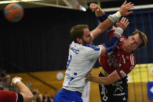 Patrick Romann (rechts, Suhr) gegen Daniel Fellmann (links, Kriens).