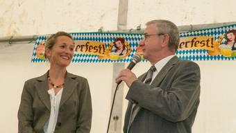 Gemeindeammann Martin Heiz im Gespräch mit Susanne Hochuli
