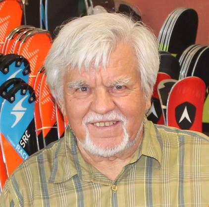 Der 84-jährige Fridolin Karrer, Gründer des bekannten Skiverleihs Sportshop Karrer in Laufen, hat eine Mission: die Wintersportförderung der Jugend.