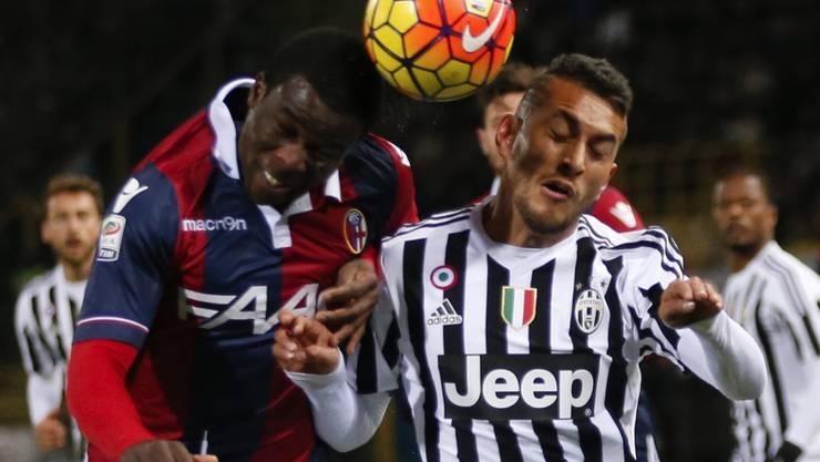 Im Gleichschritt: Bologna (links Godfred Donsah) und Juventus (Roberto Pereyra) trennten sich torlos unentschieden