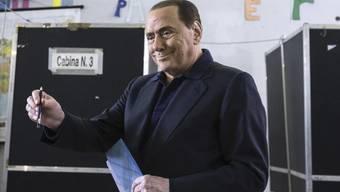 Der Oppositionspolitiker Berlusconi hatte sich vor den Kommunalwahlen für seine Partei ins Zeug gelegt - und dabei vermutlich seine Gesundheit überstrapaziert.