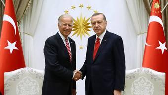 Grosser Gesprächsbedarf: US-Vizepräsident Joe Biden und der türkische Präsident Recep Tayyip Erdogan gestern in Ankara.