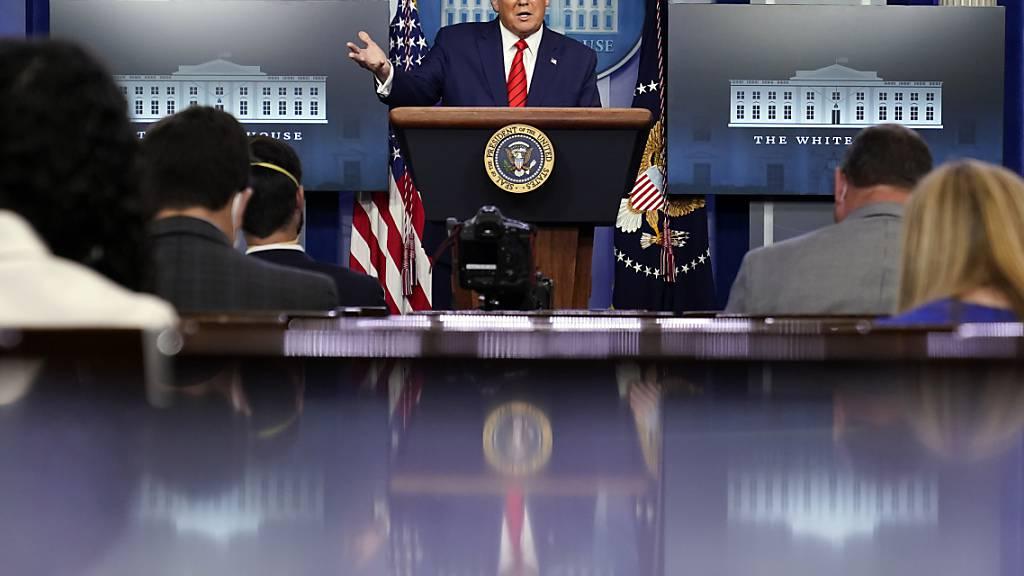 Donald Trump, Präsident der USA, spricht auf einer Pressekonferenz im Weißen Haus. Foto: Andrew Harnik/AP/dpa