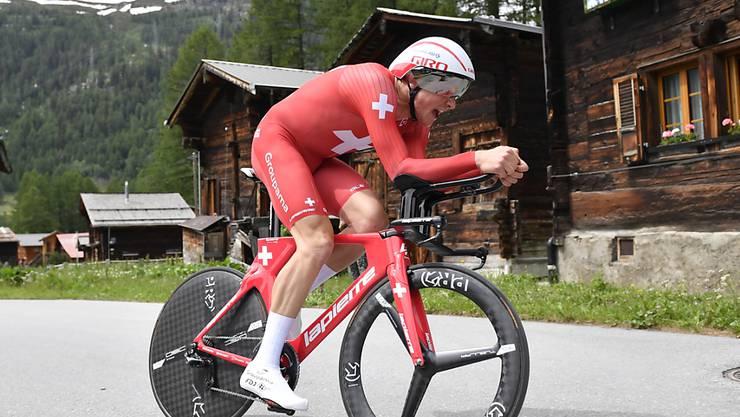 Im digitalen Radrennen wird Stefan Küng zu Hause auf einem Hometrainer fahren - statt wie hier an der Tour de Suisse 2019 im Goms